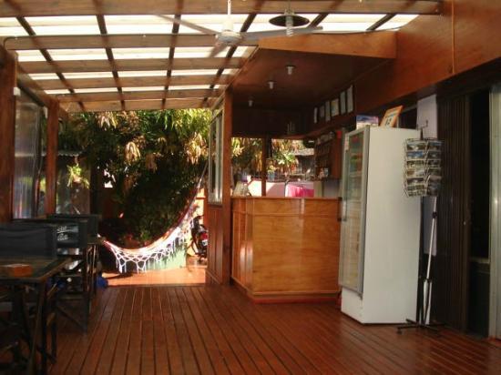 Residencial Noelia Hostel: Front Desk