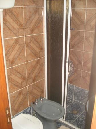 Residencial Noelia Hostel: Bathroom