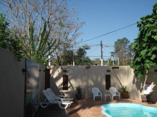 Residencial Noelia Hostel: Pool Area