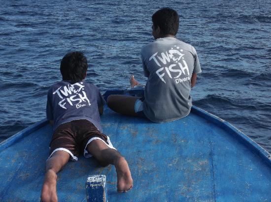 Two Fish Divers Bunaken: Chillen met de jongens op de boot