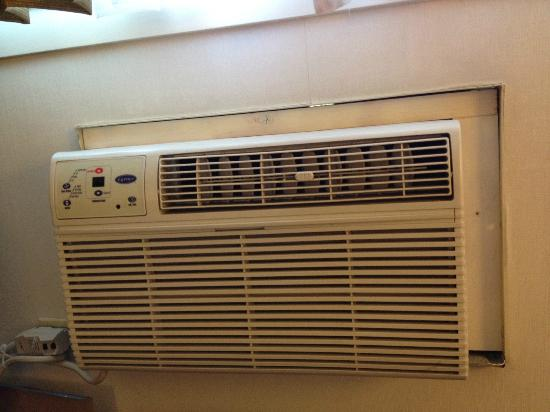 The Loyal Inn: Amateur-looking Aircon install - The whole unit & housing shook when turned on!