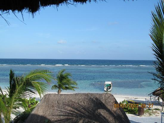 Nacional Beach Club & Bungalows: A sweet view and so close to the water.