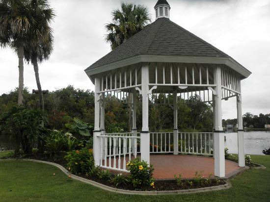 Plantation on Crystal River: gazebo