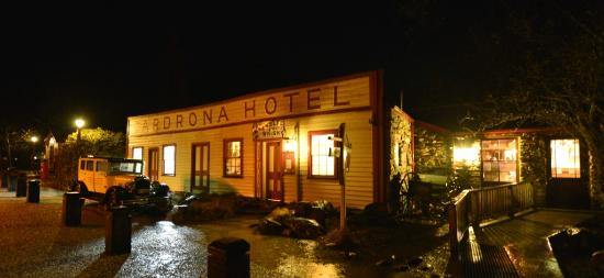 Waiorau Homestead: Check out the historical Cardrona Hotel!