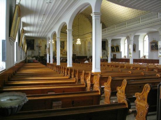 Eglise Saint-Jean-Port-Joli: L'intérieur comme une barque