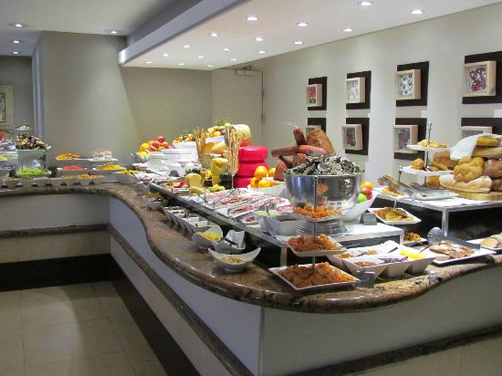 Victoria & Alfred Hotel: the continental buffet table
