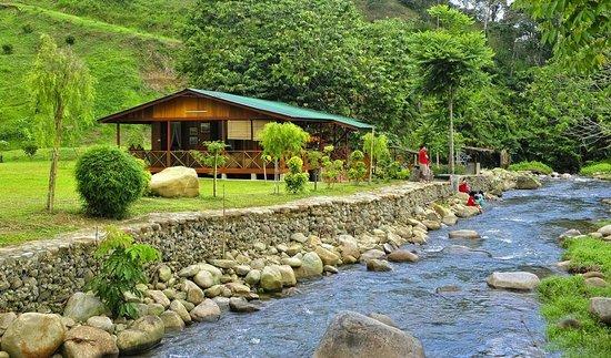 Janda Baik, Μαλαισία: The riverside Chemperoh Villa