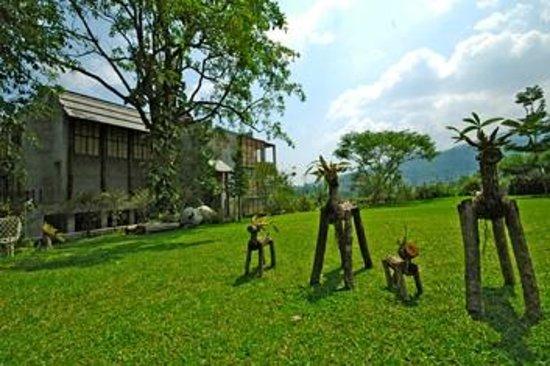 Proud Phu Fah Resort: Resort surrounding