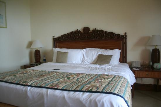 Taj Fort Aguada Resort & Spa, Goa: Superior Charm Sea View with Private Sitout King Size Bed