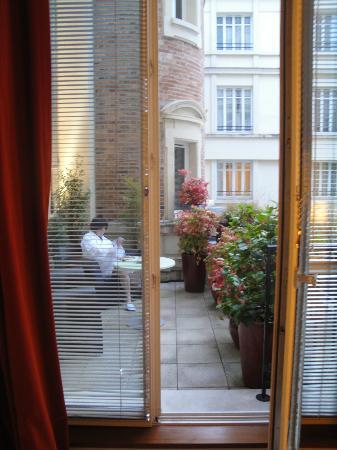 InterContinental Paris-Avenue Marceau: Inner courtyard terrace