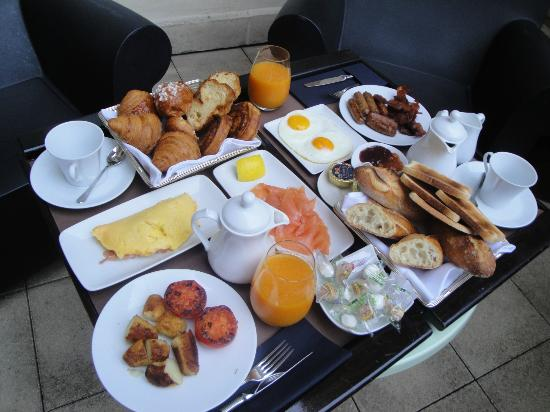 InterContinental Paris-Avenue Marceau: Best room-service breakfast ever