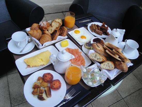 InterContinental Paris-Avenue Marceau : Best room-service breakfast ever