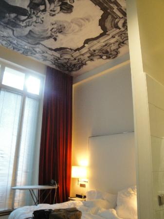 InterContinental Paris-Avenue Marceau: High-ceiling room