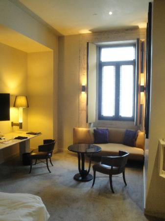 Park Hyatt Milan: Nice room but not a lot of natural light