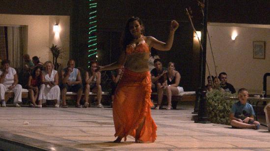 Imperial Shams Abu Soma Resort: Танец живота