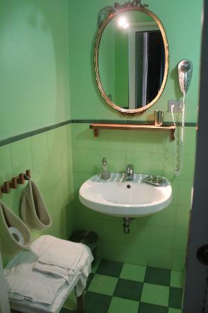Donna Adelina : Bathroom