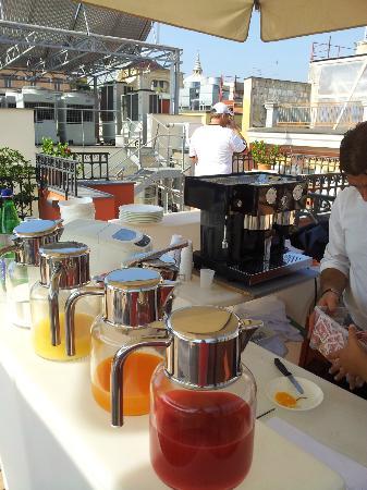 La Ciliegina Lifestyle Hotel: Rooftop Terrace breakfast