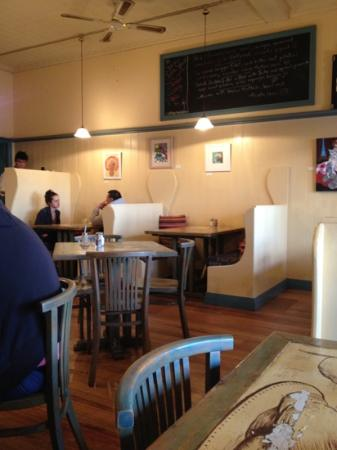 Blue Mist Cafe: cozy