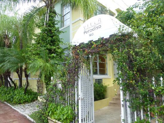 Villa Paradiso: Hotel Entrance