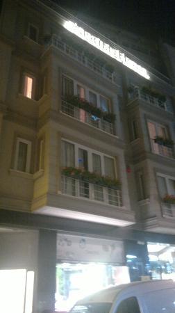 Aprilis Hotel : Isn't it nice ???