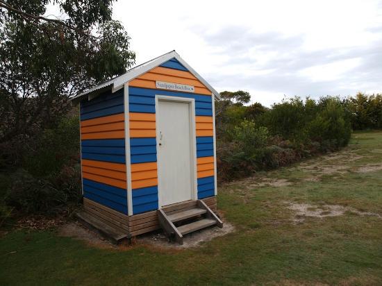 Sandpiper Ocean Cottages: beach box