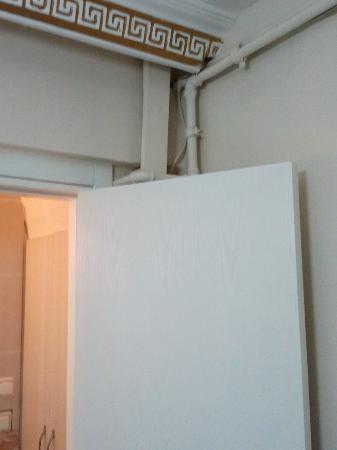 Antik Sofia Hotel: pipes of sewerage