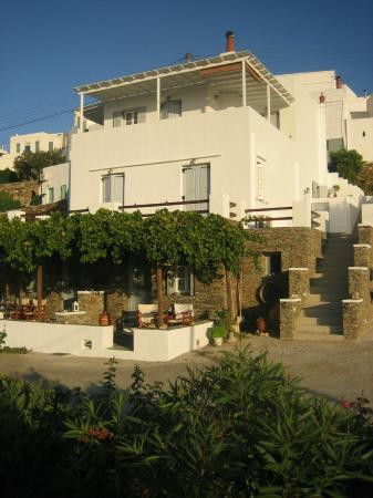 Nikoletta Geronti Pension : Nikoletta lives above the apartment, with guest access to street via stairway