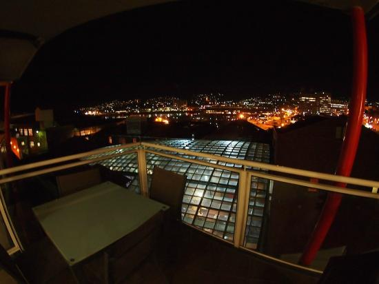 Sullivans Cove Apartments: balcony