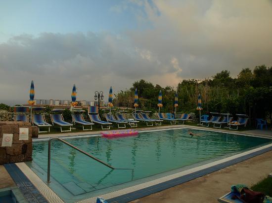 Hotel Villa Cimmentorosso: La piscina termale