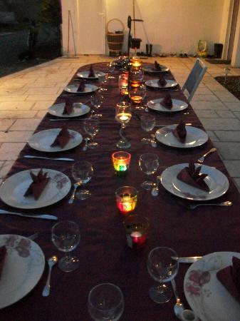 Domaine de Merete - Le Gîte : Domaine de Merete ; Repas sur la Terrasse