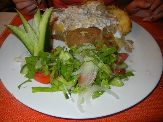 The Lemon Tree Restaurant: Tuna & mayo baked spud.