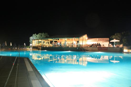 Arina Sand Resort: Poolbar @ BBQ Night