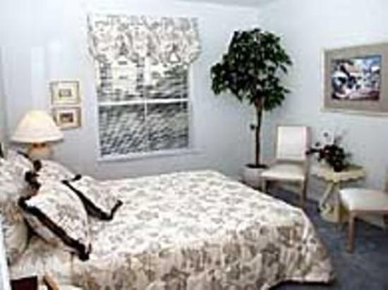Oakwood at Camden Preserve: Bedroom