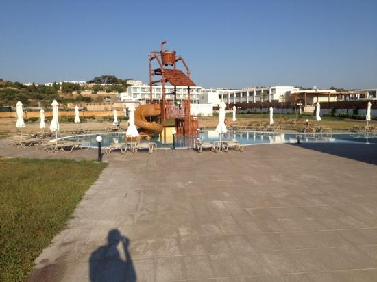 Main pool picture of levante beach resort afandou for Piscine enfant