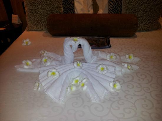 Constance Ephelia : Towel art