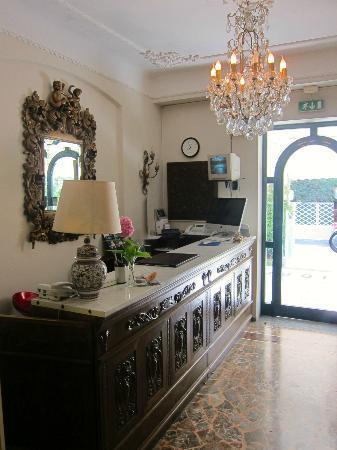 Hotel Poseidon: reception