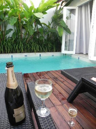 Astana Kunti: Villa pool