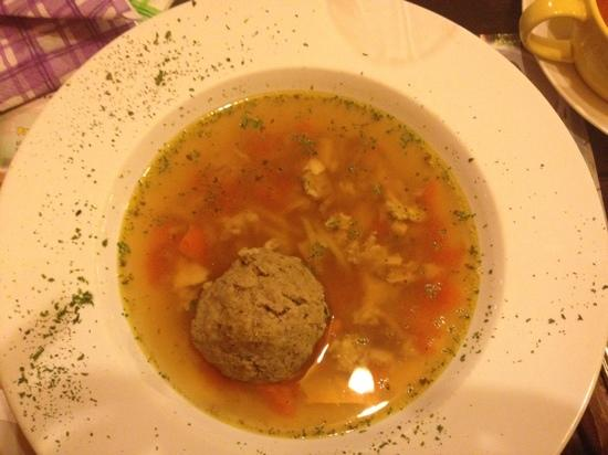 Havana Restaurant: Soup with meat ball and cheese
