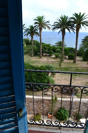 Hotel L'isola: The View