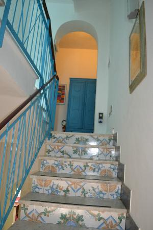 Hotel L'isola: Stairwell