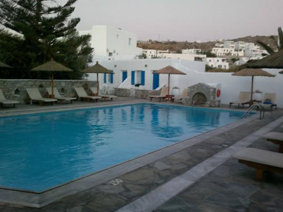 Anemos Apartments & Studios: Anemos pool