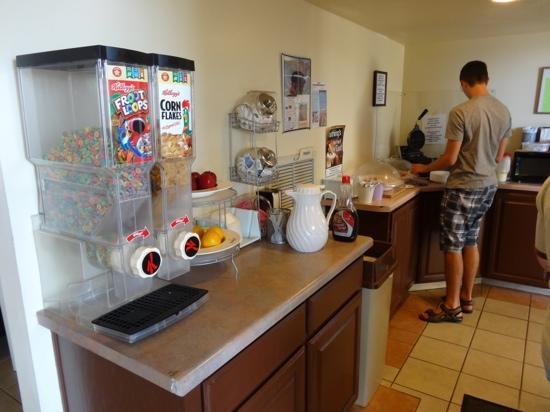 Days Inn Holbrook: Frühstücksbuffet
