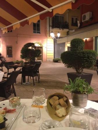 Ristorante Hanbury: La petite place du Resto