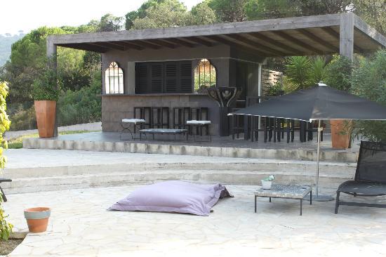 Hotel La Vigne de Ramatuelle: Cabanon au bord de la piscine