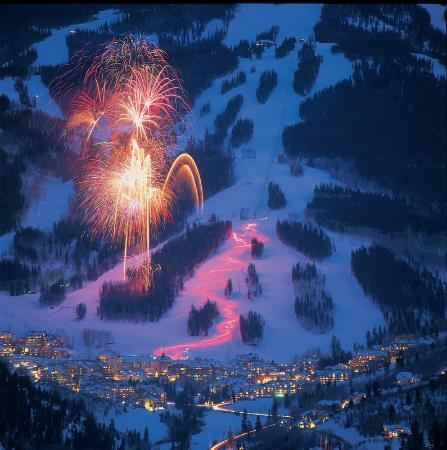Arrowhead Village: Beaver Creek Winter Fireworks
