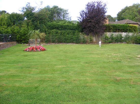 TravelRest Solent Gateway: Beautiful garden