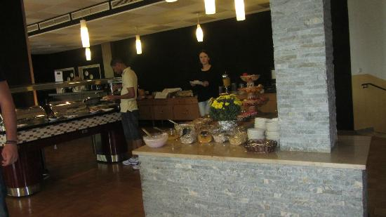 ATLAS Sporthotel: breakfast