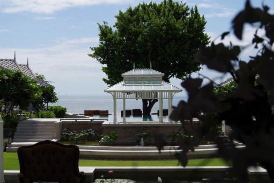 Devasom Hua Hin Resort : garden