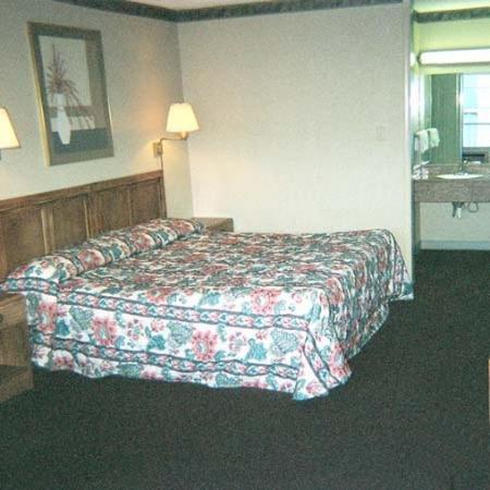 Royal Extended Stay Alcoa Room