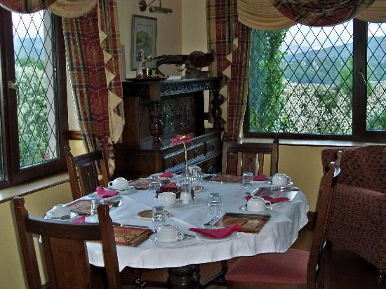 Abbey Court B&B: Breakfast area